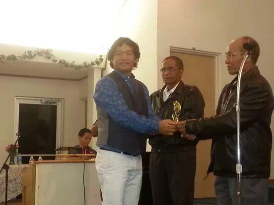 "Lasa siam VC Mang ""King of Zomi Singers Award"" ki pahtawi"