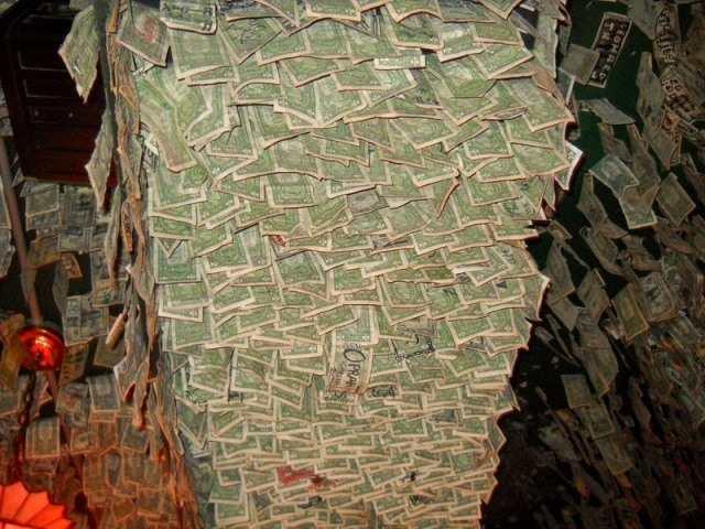 Dollar Million khat val aki khaizeizai McGuire's Irish Pub