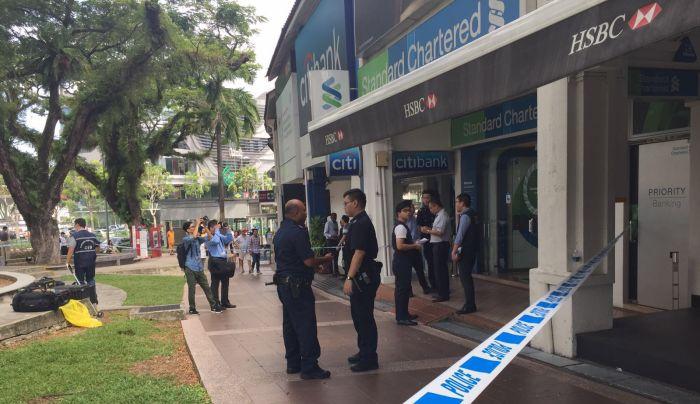 Singapore ah Bank khat damiah lut, S$30,000 puakhia