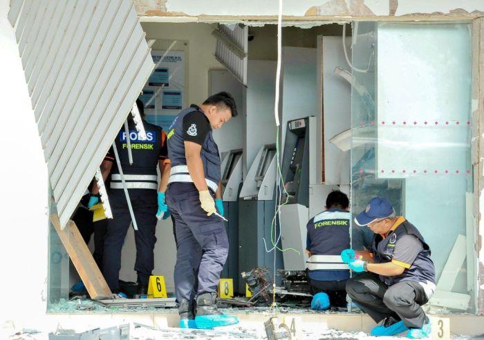 Malaysia Bank ATM panin guta te'n sum RM260,000 gukhia thei ~ ZD
