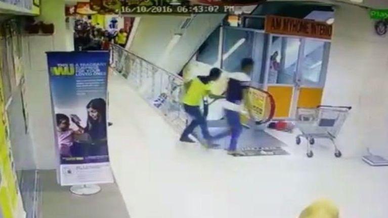 Malaysia, Penang ah naupang kum 3 aphapan khat Escalator tungpan kia ~ ZD
