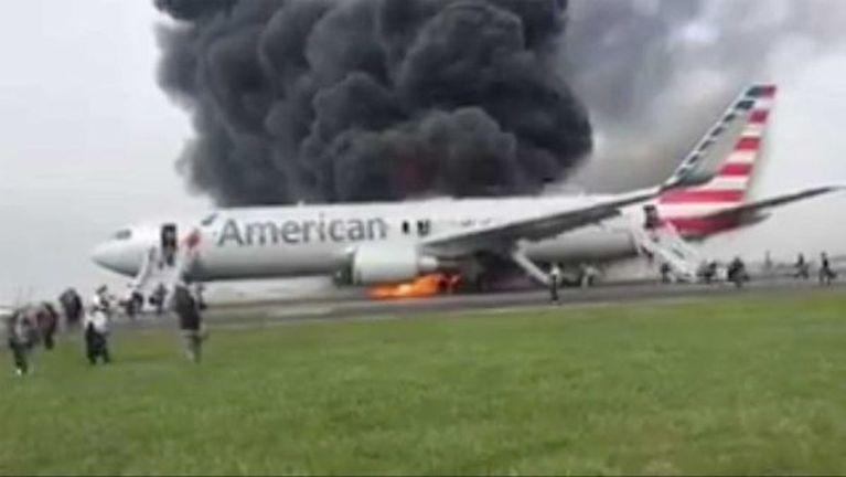 American Airlines vanleng khat meikanggawp ~ ZD