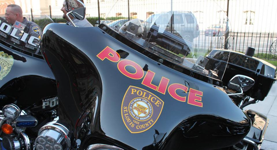 US ah Police khat kikapliam, Police te'n zong mikhat kaplum ~ Thang Khan Lian