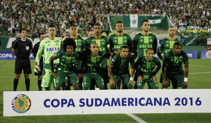 Brazilian Football Team te tuanna tuahsia, mi 70 valsi ~ TK Lian