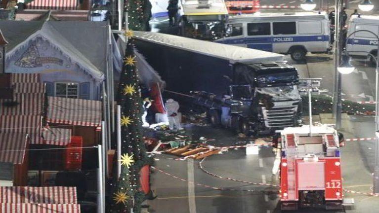 Germany Christmas Market khat mawtawpi in phulphei, mi 12 si, 48 liam ~ ZD