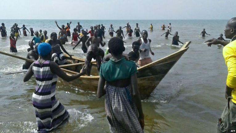 Uganda gam a Lake Albert kici ah gunkuang tum ~ TK Lian