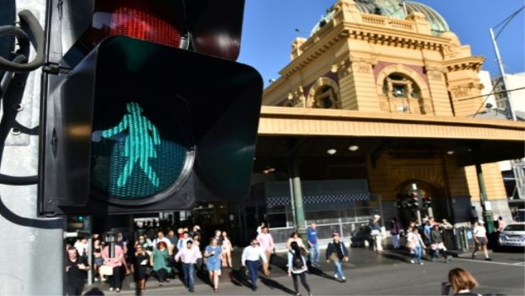 Numei te pahtawina in Australia ah limzikkanna Traffic Lights te numeilim tawh kilaih ~ ZD