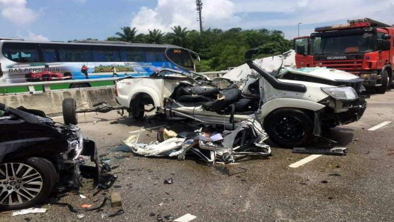 Johor Bahru ah Toyota mawtaw nih kiphukha, mi 2 si in adang mi 2 liam
