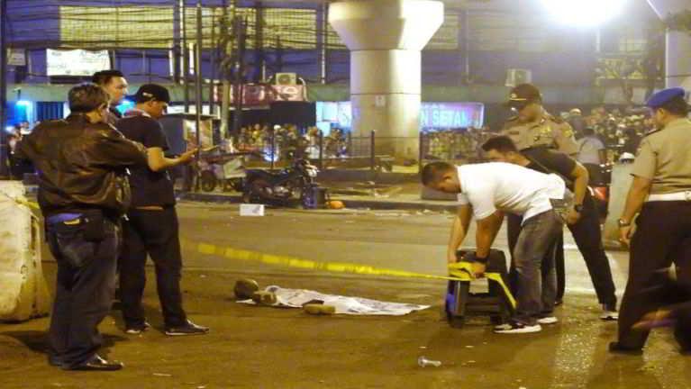 Jakarta khuasung Bus khawlna khatah Bomb puakkham, mi 5 si, 10 val liam