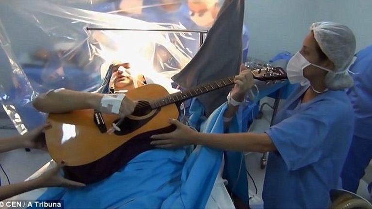 Akhutme hoihtak atangtheilo khat akhuaksung Surgery akibawlkawm Guitar kitumsak