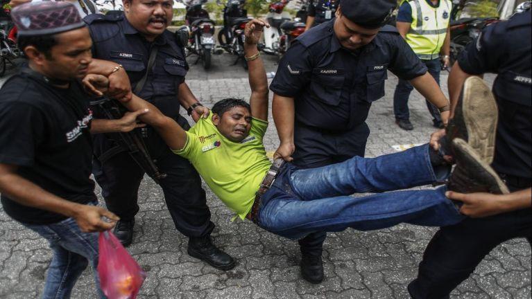 Kuala Lumpur khuasung lungphona panin thumanglo Rohingya mi 71 kiman