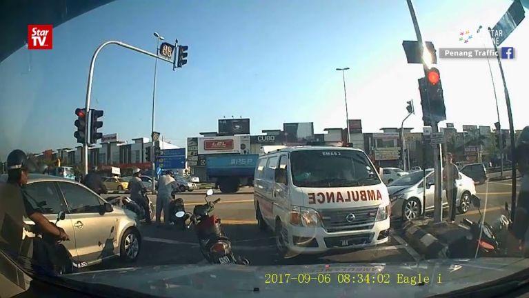Ambulance leh mawtaw kitaihkha in, Motorcycle honkhatzong nawkgawp