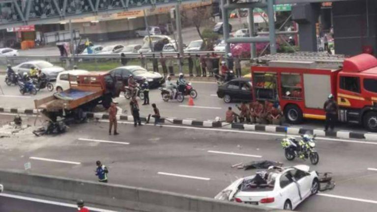 Malaysia, Puchong sungah mawtaw Accident in mikhat si, mawtaw awkcip