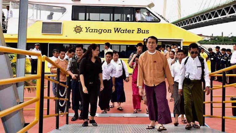 """Yangon River sungteng ataiding """"Yangon Water Bus"""" ki zangthei tading"""