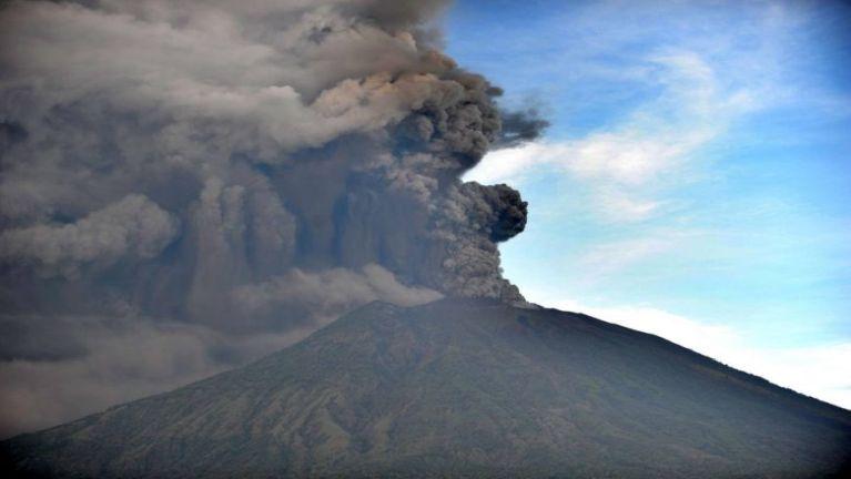 Indonesia, Bali tuikulhtung aom Volcano meimual puakkham taktakta
