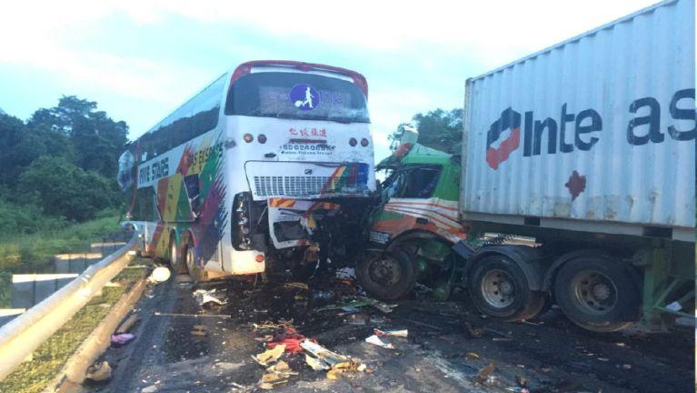 Singapore pan Malaysia azuan Bus khatleh Lorry kiphukha, mi 14 liam