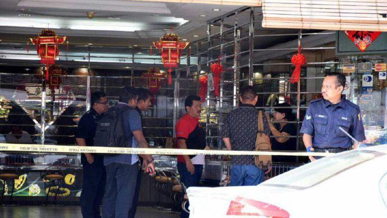 Malaysia, Penang aom suangmanpha zuakna ah Pistol tawi damiah mi 2 lut