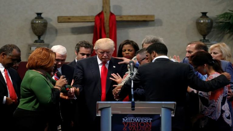 US President Donald Trump leh Mainstream Media te