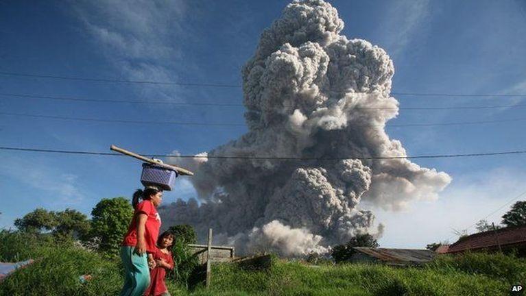 Indonesia gamsung aom Mount Sinabung meimual panin vutsa kiphitkhia ziahziah