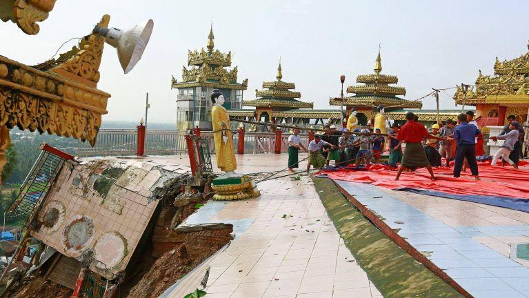 Myanmar, Mawlamyine ah guahtui tamluatna hangin leitolh in Pagoda kisia