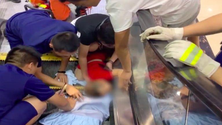 Video: China, Shopping Mall ii setkahlei in naupangno khat akhut zialkha
