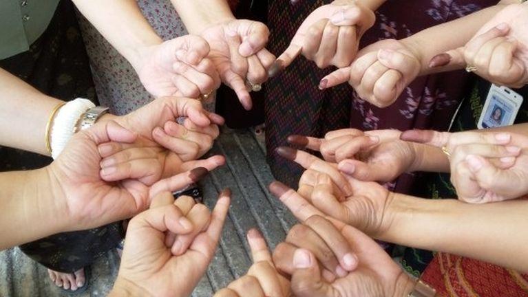 Khut meleng thahatna (The power of little finger)